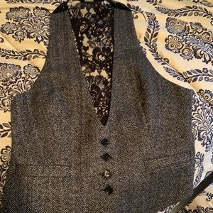 Ladies express vest. Herringbone and lace